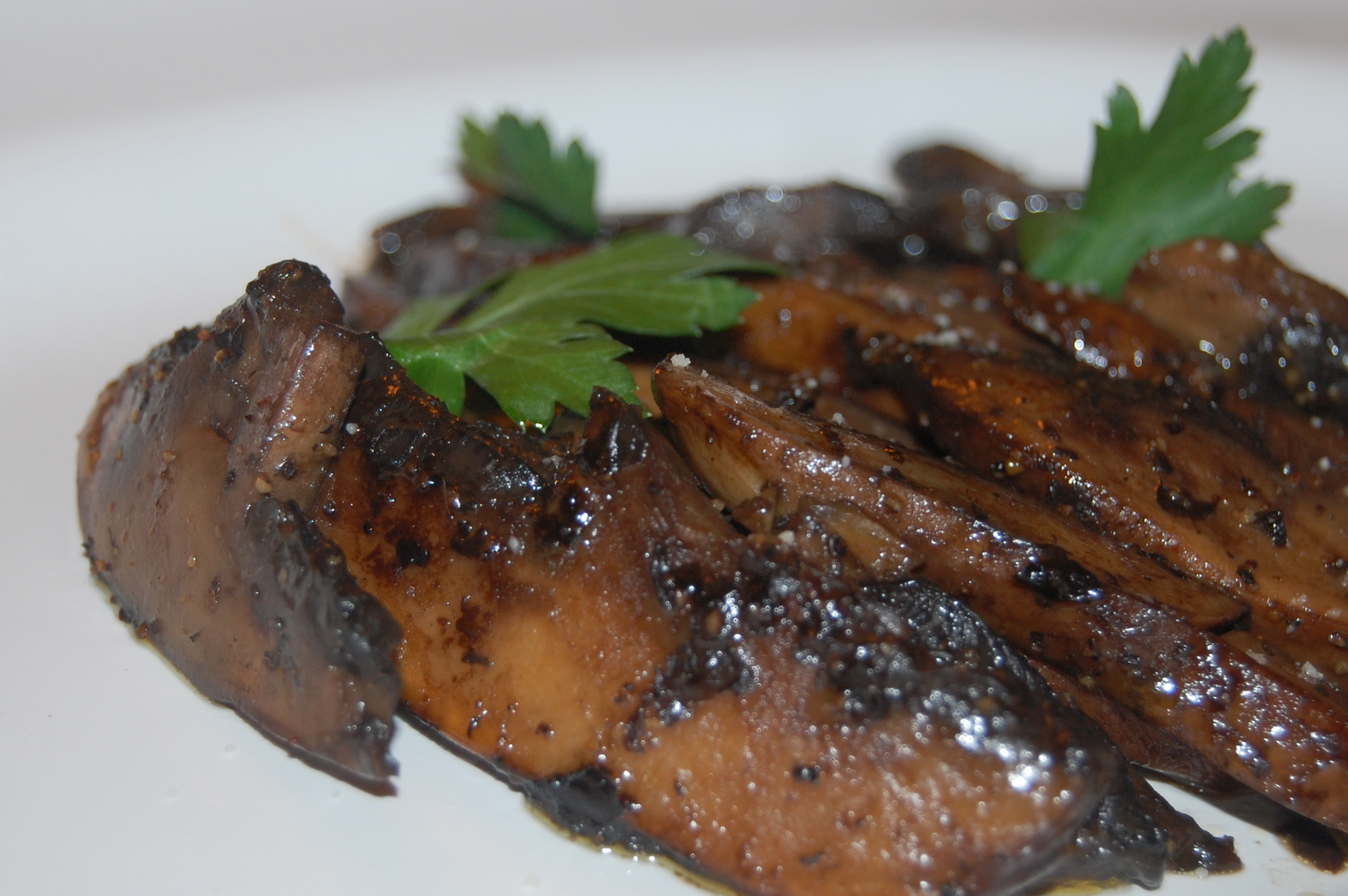 sauteed-portabella-mushrooms-in-a-balsamic-and-butter-sauce