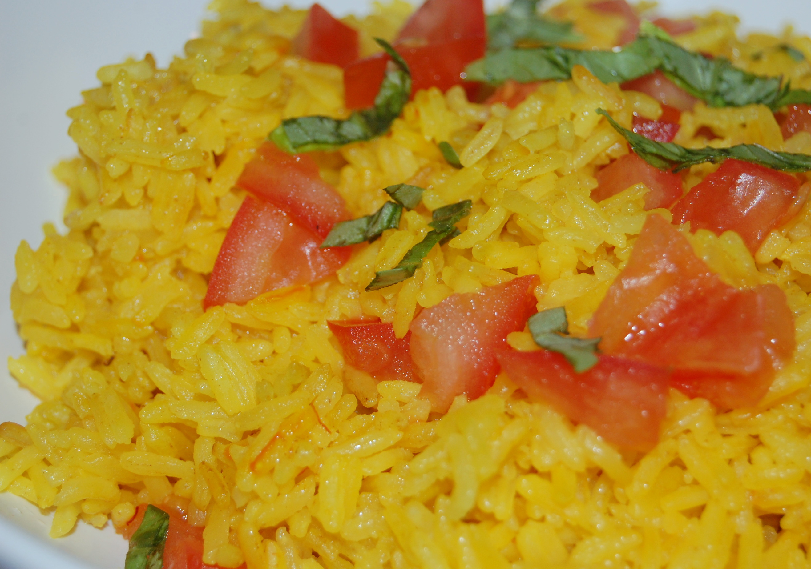 saffron-infused-rice-with-basil-and-tomatoes