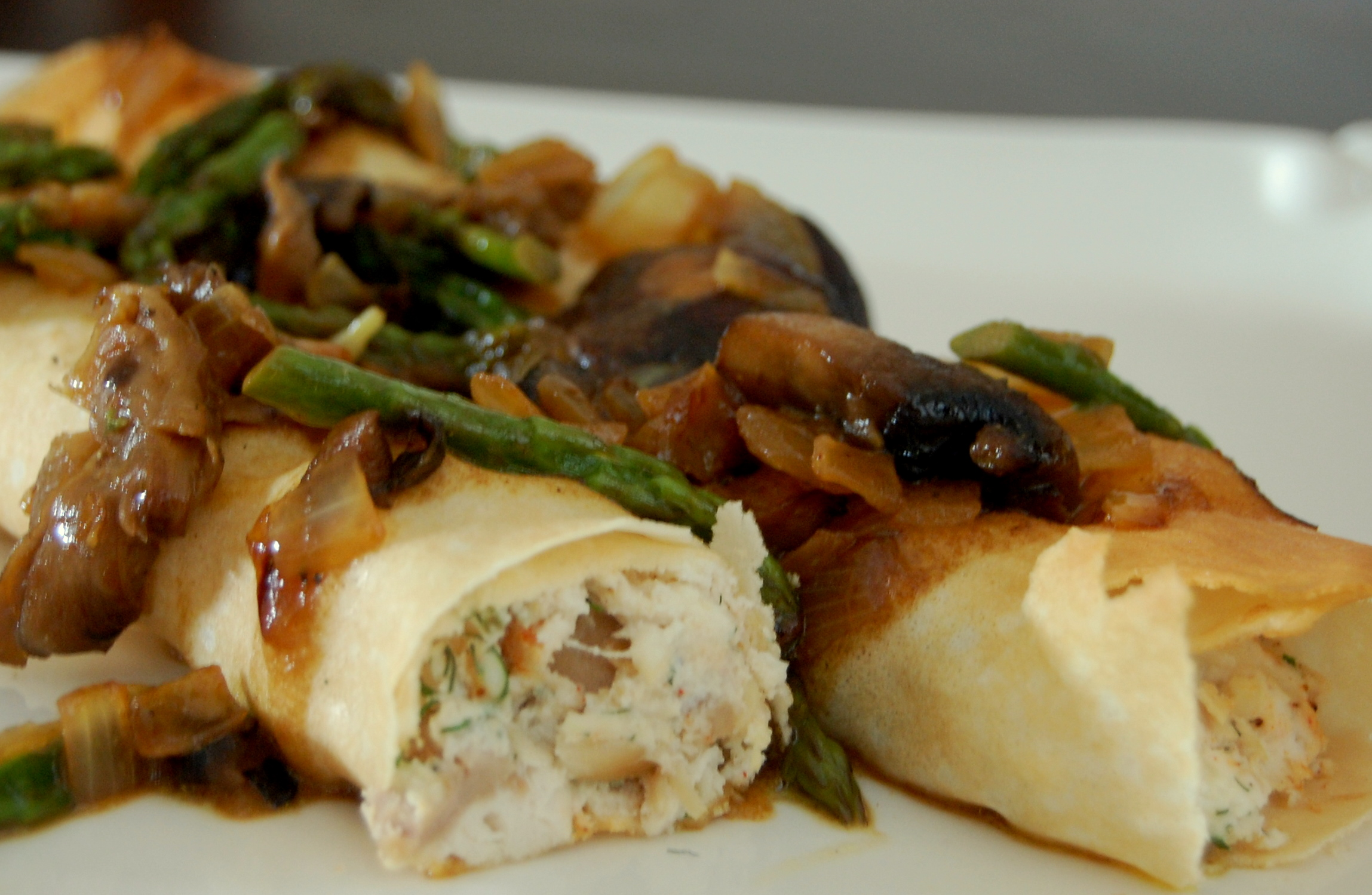 chicken-crepes-with-asparagus-mushroom-sauce