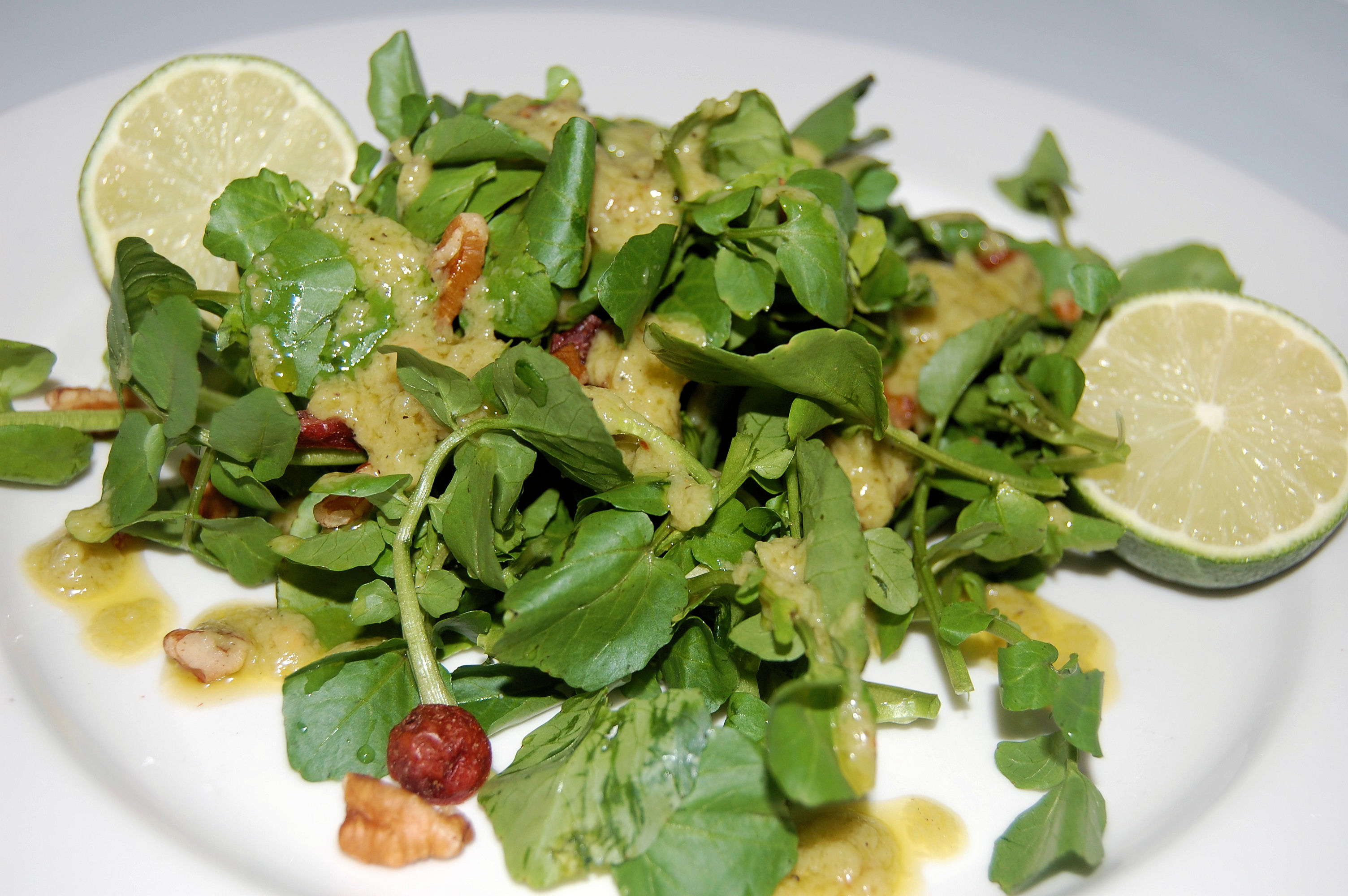 watercress-salad-with-candied-pecans-and-spicy-avocado-dressing