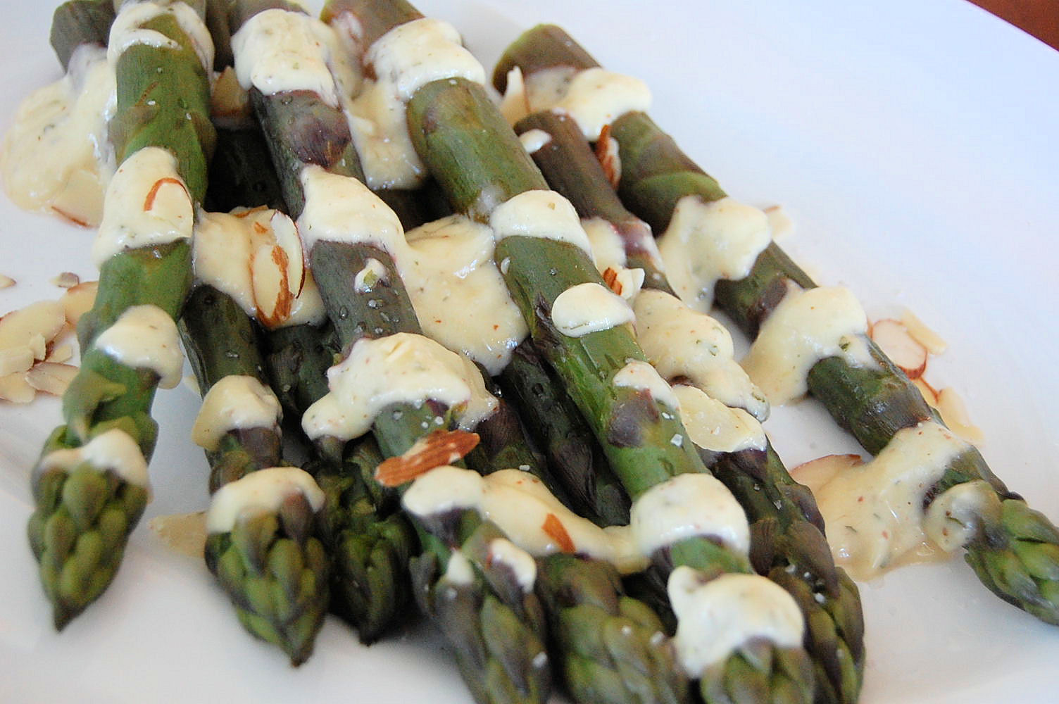 purple-asparagus-with-herbed-ailoi