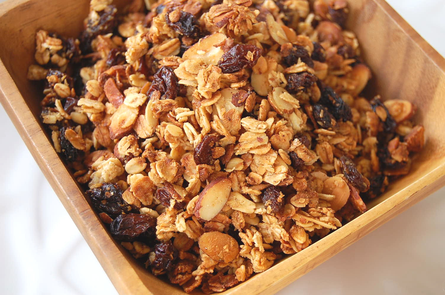 cinnamonvanilla-and-almond-granola