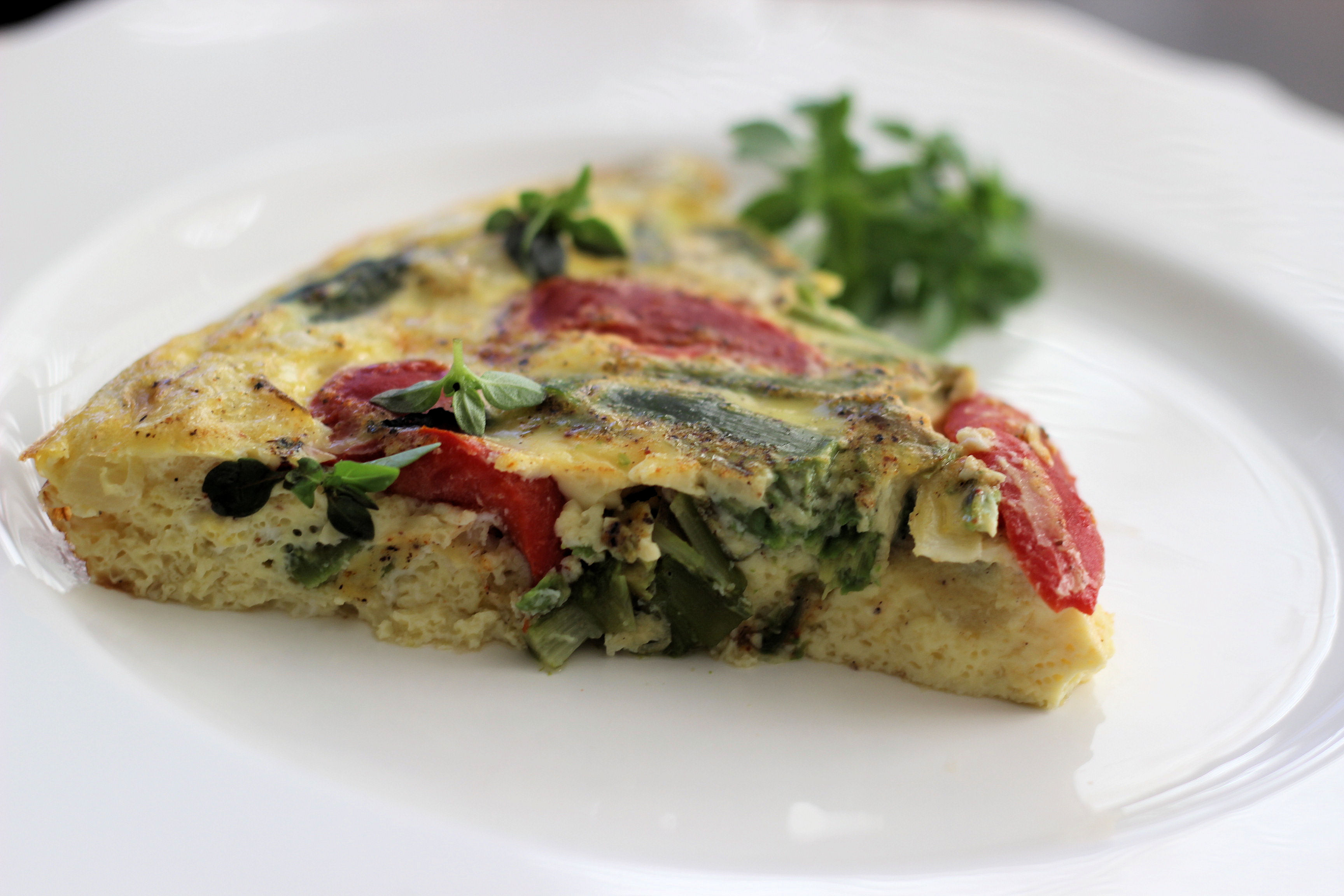 asparagus-and-roasted-red-pepper-easter-frittata-with-spicy-basil